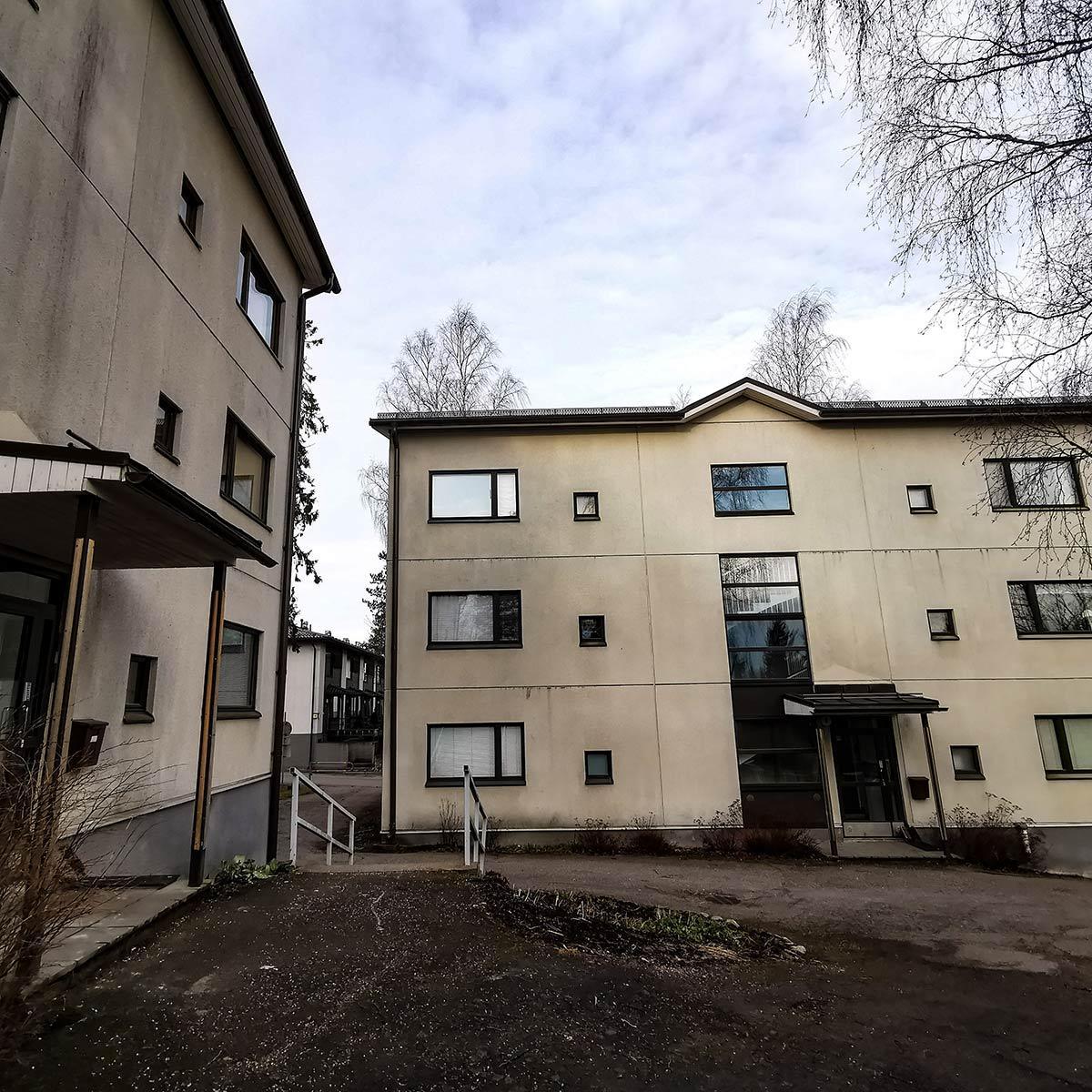 Simonkalliontien taloyhtiön rakennustyön valvonta.