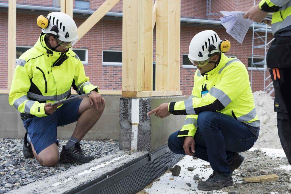 I husbolagets renoveringsprojekt säkerställs under ledning av hälsosamthuskoordinatorn en hälsosam boendemiljö.