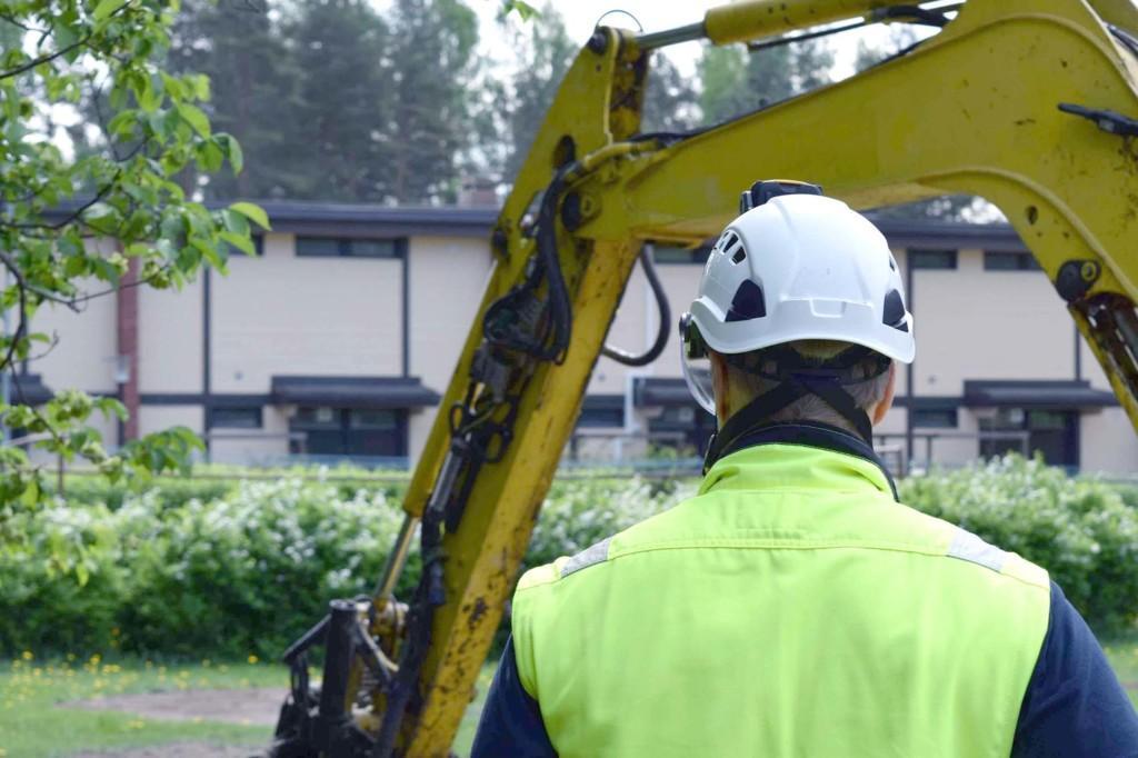 Raksystems projektledningstjänst passar såväl bostads-, affärs- som kontorsbyggande, utan att glömma nybyggen och saneringsobjekt.
