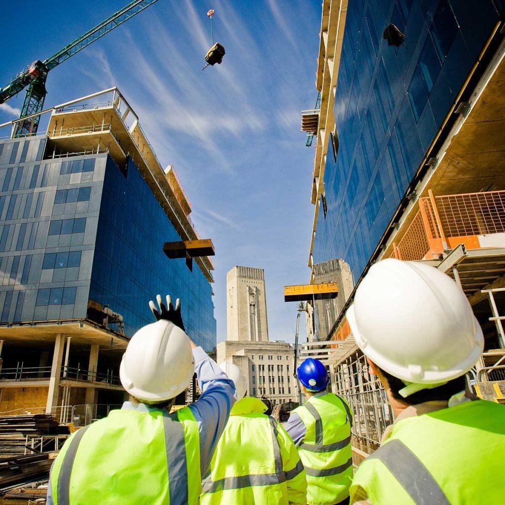 Med tjänster kan projekt genomföras effektivt och ekonomiskt med beaktande av kundens behov.